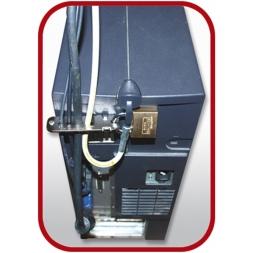 tour ordinateur avec des cables ranges dans le cable lock