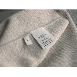 non adhesive nylon label on textile sewn en