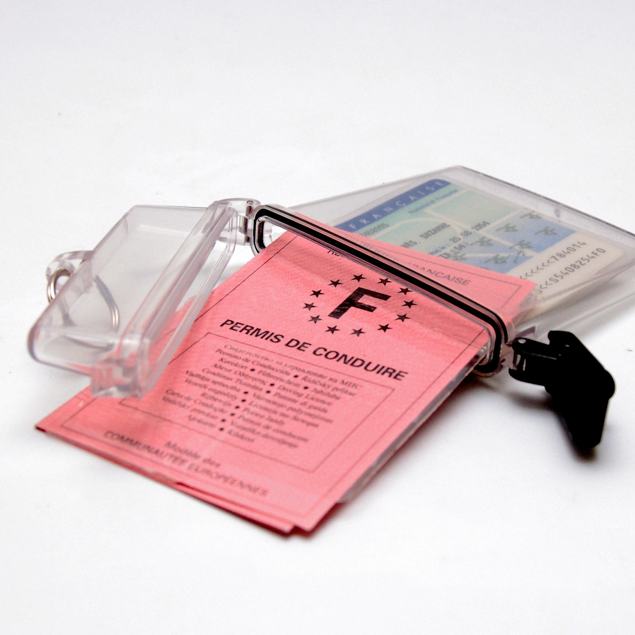 boitier étanche transparent pour pièces d'identité