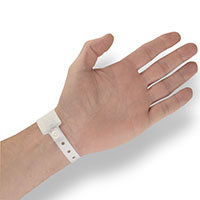 fermeture-securisee-bracelet-hopital
